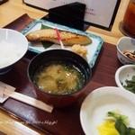 京粕漬 魚久  - 銀だら京粕漬定食