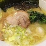 41083294 - 201508  ゴル麺  ★塩豚骨(おおめ)(780円)★