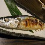 漁菜献舗 鳥新 - 2015.8)さんまの塩焼き(600円)