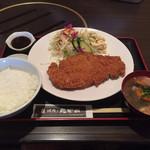 焼肉乃我那覇 - ミルフィーユかつ定食900円