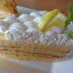 オフィシナ・デル・カフェ - レモン風味のチーズケーキ