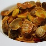 lumielune - アサリと川田農園ズッキーニのトマトソーススパゲティ