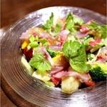 lumielune - 加賀港直                     イサキと野菜、フルーツのサラダ