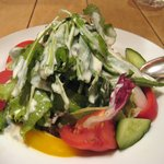 Osteria UVA RARA 横浜 - サラダ・カーサ 野菜サラダに温チーズソース