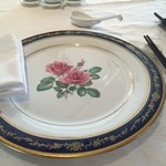 中国料理 皇家龍鳳 - お皿が綺麗。