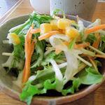カフェ大好き - 鮮やかなサラダ