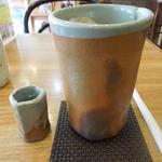 カフェ大好き - さすが世界にひとつしかない食器、渋さがステキ