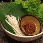 仙台牛焼肉 バリバリ - 無料のサンチュ!嬉しい!