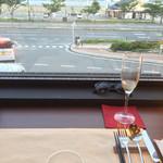 ナロー - 料理写真:グラス泡とアミューズ