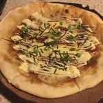 新宿かっぱ - 照り焼きピザ。あつあつ