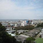 コバズ - 宜野湾の海が広がります