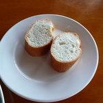 イタリアンレストランバーココロ - フランスパン