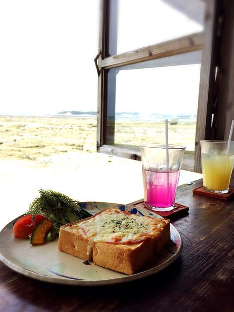 浜辺の茶屋 - クロックムッシュ…と海と空