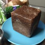 41112699 - チョコ食パン