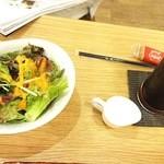 41116143 - (2015・8)ナポリタンの野菜サラダ
