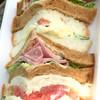 ボストンベイク - 料理写真:ポテトハムサンド。このボリュームで200円台とは・・