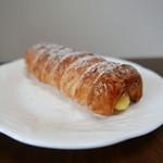 Boulangerie Cherish - カスタードのコルネ(140円)