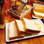 セントル ザ・ベーカリー - 食パン盛り合わせ ジャム+バターセット