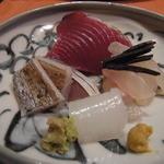 41125350 - お造りはかつお、鯛の昆布締め、太刀魚、白いかなど