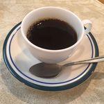 オステリア・エッコ - 普通のコーヒー。薄め。「で?」ってコーヒー。