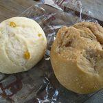 苺じるし - コーン酵母 コーンパン(¥150) 梨酵母 黒糖マロングラッセ(¥200)