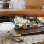 和おん - 料理写真:1080円の一日15食限定の定食です、豪華です