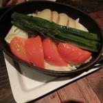 バルネア グリル - 季節野菜の南部鉄器蒸し