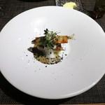 Le Caneton - 鱸を香ばしく焼き上げた稚鮎のフリット 鮎のコンフィのクーリ