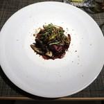 Le Caneton - シャラン産鴨 マッシュルームと黒ニンニクのアンサンブル