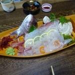 伊豫水軍 - 来島海峡の天然鯛、一本釣りの贅沢をお造りに
