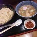 久臨 - 赤辛つけ麺(並盛) 750円(内税)