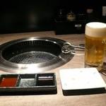 41138369 - まずは、冷たいビールをグィット1杯!