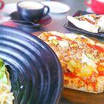 41145050 - ランチのピザ、パスタ、パヌッツォ