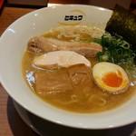 41145201 - 「鶏白湯魚介濃縮らーめん+大盛」850円