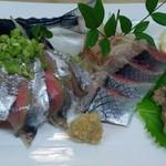 新富鮨 - 特大さんまの刺身