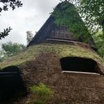 41147503 - 葺き屋根の縄文式竪穴住居の茶房「まだま村」♪