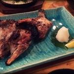 勝屋 - サーモンカマの塩焼き