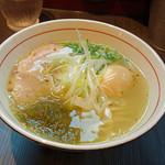 41150076 - 柳麺 呉田 (塩らーめん770円+味付玉子120円)