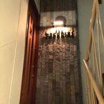 BAR PAGANINI - 階段を昇ると入り口があります
