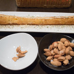 イタリアン居酒屋  FUKUOKA - バケット
