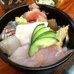 さとみ寿司 - 富津のご当地丼ぶり、海堡丼ランチです(*´エ`*)