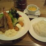 カフェルパン - 2015年8月23日ポークの生姜焼きと海老フライ、カニクリームコロッケ+ライス・スープセット