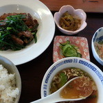 和 - 料理写真:レバニラ800円