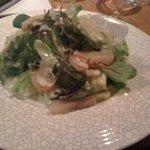 BISTRO LAROCHE - 北海道産ホタテ貝と筍のサラダ ヴィネグレット ゴルゴンゾーラ