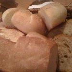 BISTRO LAROCHE - パン3種