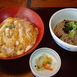 Kagonoya - 親子丼定食(819円)