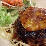 シースピリット - 料理写真:特製デミグラスハンバーグステーキ