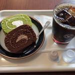 珈琲問屋 - 水出しコーヒー+ロールケーキセット(500円)