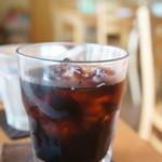 カフェ・フィーノ - ドリンクは、アイスコーヒーです