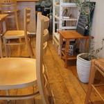 カフェ・フィーノ - 店内風景①